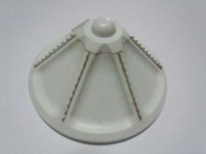 ヨナナスの金属歯部位の写真