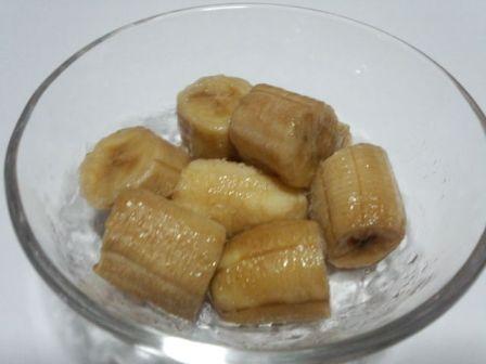長期冷凍で変色したバナナの写真