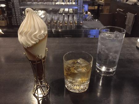 クレミアソフトとお酒の写真