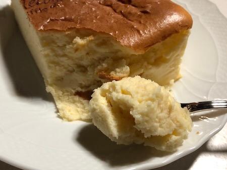 モロゾフのスフレチーズケーキを自宅で楽しむ写真