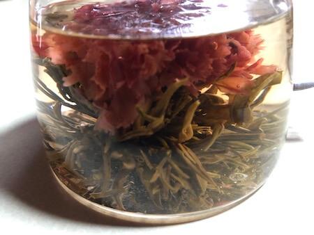 カーネーションの工芸茶3