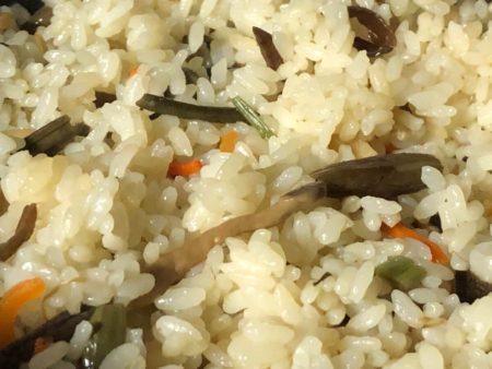 四季の膳 山菜釜めしの写真2
