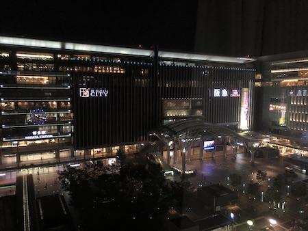 ホテルから眺める博多駅の写真