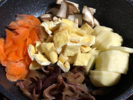 キクラゲ入り野菜炒め