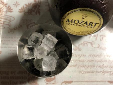 モーツァルト ブラックチョコレートを使ったカクテル作り写真2